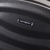 Hergestellt aus Curv-Material: extrem widerstandsfähig und unglaublich leicht. Nur 2,5 kg beim 4-Roller 75cm.